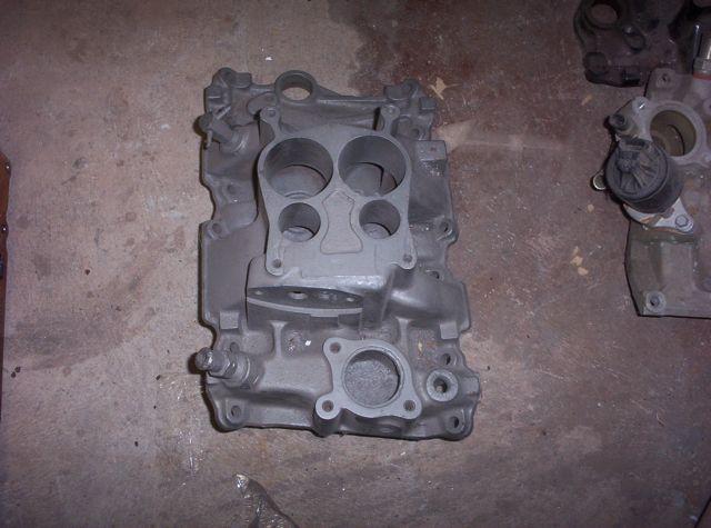 Chevrolet v6 4.3 dual plaine manifold
