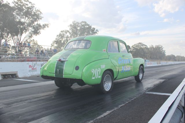 greens-nice-fj-holden-six-rjb-performance